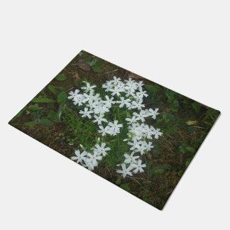Starlike White Flowers Doormat