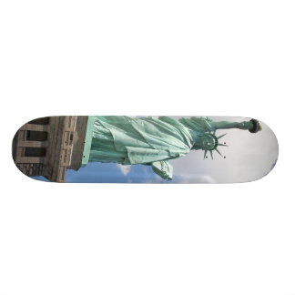 Statue Of Liberty by lensgerrit Skateboard