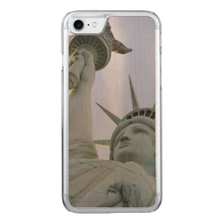 Statue of Liberty Carved iPhone 8/7 Case