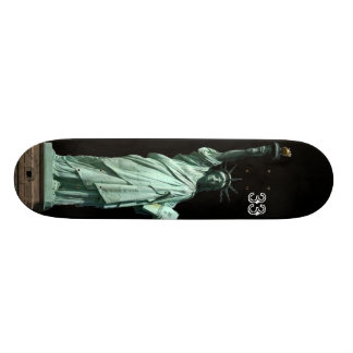 statue of liberty skate board decks