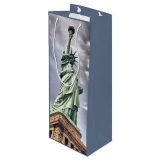 Statue of Liberty wine gift bag