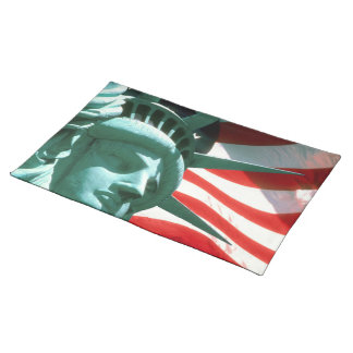 STATUE OF LIBERTY WITH AMERICAN FLAG PLACEMAT