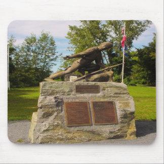 Statue of Major Robert Rogers of Rogers' Rangers Mousepad