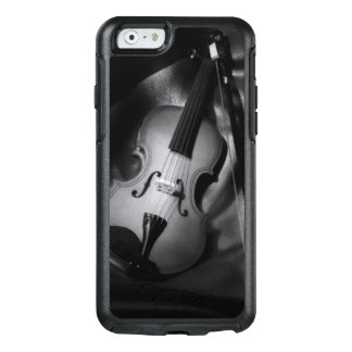 Still-life b&W image of a violin OtterBox iPhone 6/6s Case