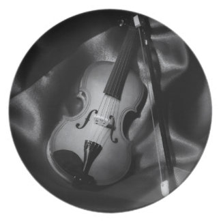Still-life b&W image of a violin Party Plate