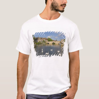 Stone arched bridge and River Ouse, St Ives, T-Shirt
