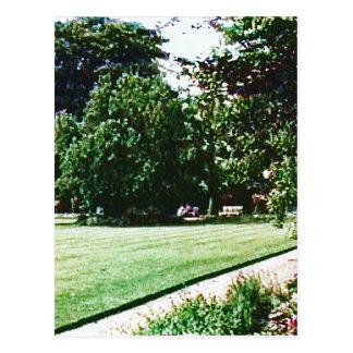 Stratford-upon-Avon England Garden snap-28838 jGib Postcard