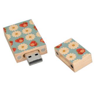 Strawberries and daisies wood USB flash drive