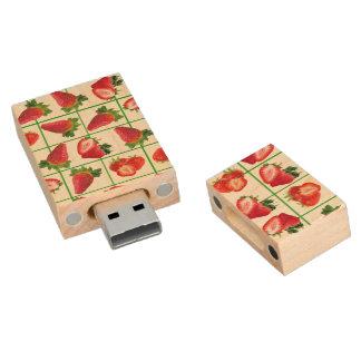 Strawberries pattern wood USB flash drive