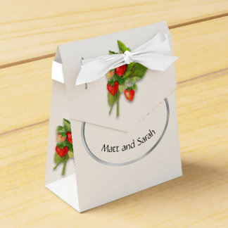 """Strawberry. """"Thanks for Coming"""" Favor Box"""