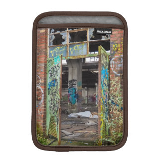 Street Art Graffiti Pitbull Ipad Case