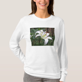 Striking Lilly Design T-Shirt