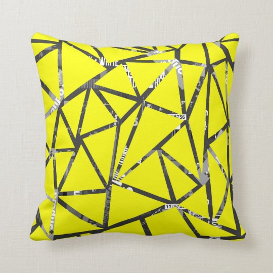 Structure of triangles throw pillow