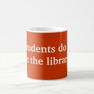Students do it coffee mug