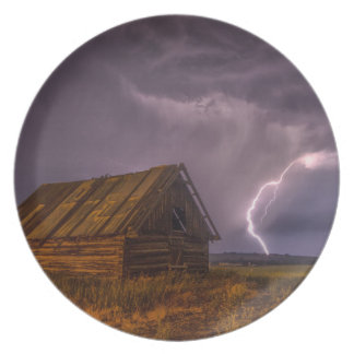 Stunning country barn with lightning bolt plate