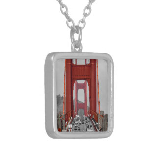 STUNNING! GOLDEN GATE BRIDGE CALIFORNIA USA SILVER PLATED NECKLACE