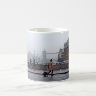 Stunning London bridge view mug