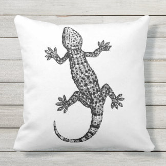 STYLISH BLACK AND WHITE GECKO OUTDOOR PILLOW