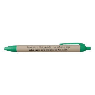 Stylo vert d'équilibre, encre bleue crayon bleu