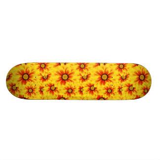 Summer colorful pattern yellow tickseed skateboard