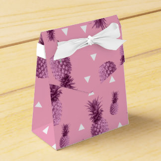 Summer tropical pink pineapple triangles pattern favor box