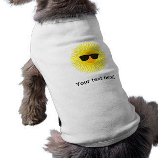 Sun avec la bande dessinée de lunettes de soleil t-shirt pour chien