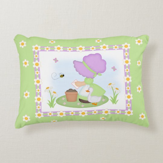 Sun Bonnet Girl Daisy Flower Lavender Green Floral Decorative Pillow