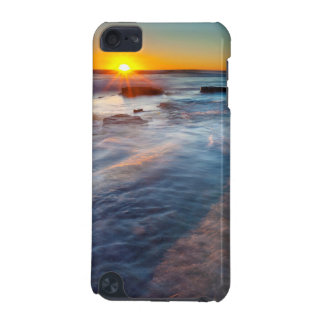 Sun rays illuminate the Pacific Ocean iPod Touch (5th Generation) Cases