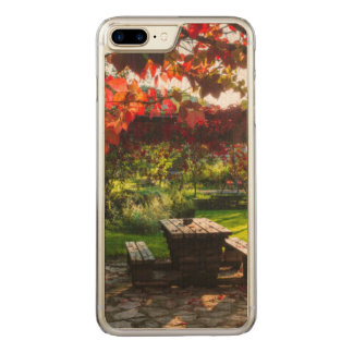 Sun through autumn leaves, Croatia Carved iPhone 8 Plus/7 Plus Case