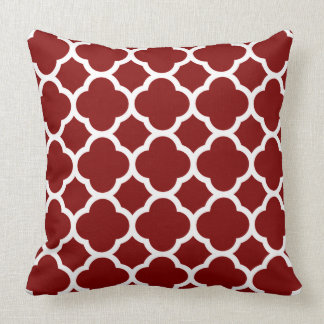 Sunburst red Quatrefoil Pattern Throw Pillow