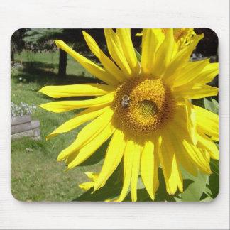Sunflower & bee mouse mat