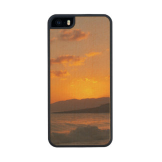Sunrise Carved® Maple iPhone 5 Case