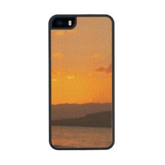 Sunrise Carved® Maple iPhone 5 Case