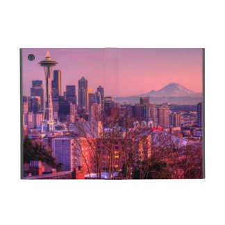 Sunset behind Seattle skyline from Kerry Park. iPad Mini Covers