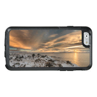 Sunset over lake Myvatn, Iceland OtterBox iPhone 6/6s Case