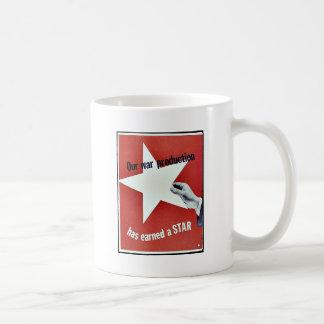 Sur la guerre la production a gagné une étoile tasse