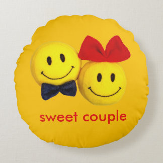 Sweet couple smile cute pillow round 16 inch