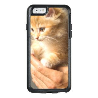 Sweet Kitten in Good Hand OtterBox iPhone 6/6s Case