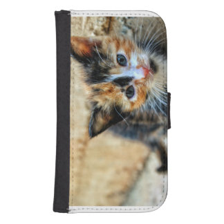 Sweet Kitty looking at YOU Samsung S4 Wallet Case