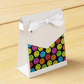 Sweet Smiley Face Favor Box
