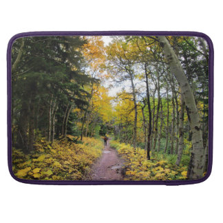 Swiftcurrent Pass Trail - Glacier National Park Sleeve For MacBook Pro
