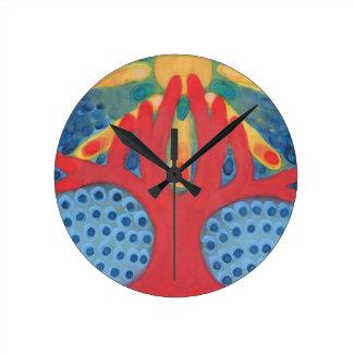 Symbiosis Round Clock