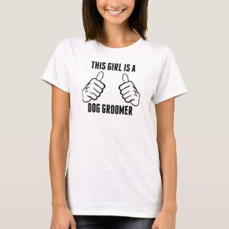 T-shirt Cette fille est un Groomer de chien