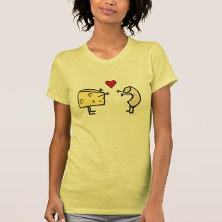 T-shirt d'amour de macaronis au fromage