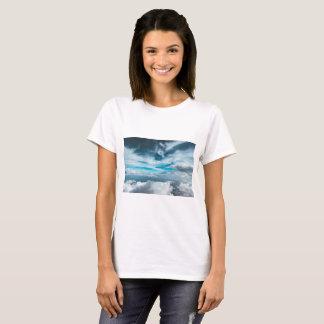 T-shirt Dragon sky clouds blue