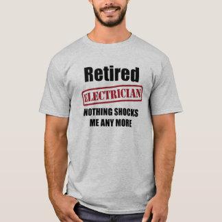 T-shirt Électricien retraité (charme BRITANNIQUE)