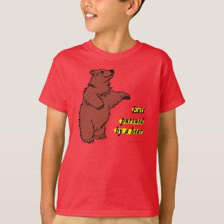 T-Shirt: Exit pursued by a bear T-Shirt