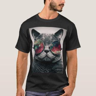 T-shirt lunettes de soleil de port de chat