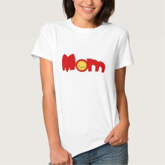 T-shirt mignon de couples de famille de maman de