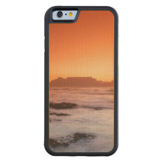 Table Mountain At Sunset, Bloubergstrand Maple iPhone 6 Bumper
